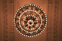 AD8A0239_p_g (thebiblioholic) Tags: newyorkcity chandelier gct grandcentralterminal wps