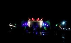 Patriotic (vantcj1) Tags: plaza noche lluvia arquitectura edificio moderno anfiteatro iluminacin