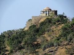 kumbalgarh 2015 (gerben more) Tags: trees india building temple fort hill rajasthan kumbalgarh