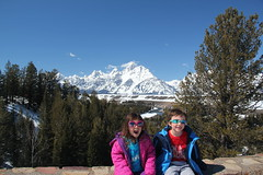Kids at the Snake River Overlook 2 (Aggiewelshes) Tags: travel winter snow april wyoming olsen jacksonhole jovie grandtetonnationalpark 2016 gtnp snakeriveroverlook