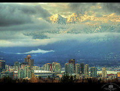 View from Queen Elizabeth Park in Vancouver, BC, Canada (Ann Badjura Photography) Tags: snow canada mountains vancouver clouds landscape photography scenery bc britishcolumbia queenelizabethpark bcplace harbourcentre downtownvancouver miss604 vancouvercoastmountains insidevancouver vancitybuzz photonewsgallery annbadjura 604now 24hrvancouver