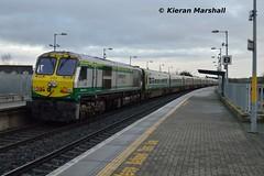 232 passes Portarlington, 27/1/16 (hurricanemk1c) Tags: irish train gm rail railway trains railways irishrail 201 232 generalmotors portarlington 2016 emd iarnród éireann iarnródéireann 1420corkheuston