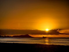 Sunrise Over Diamond Head (rockysan) Tags: sunrise diamondhead ewabeach