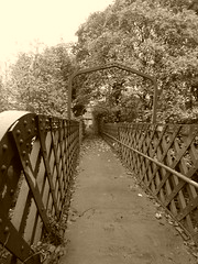 Sheffield - Staveley old railway  -  Killamarsh station (dave_attrill) Tags: road old nottingham station sepia town footbridge sheffield great central platform railway victoria trail valley lane disused forge trans footpath pennine woodhouse chesterfield bridleway rotherham rother beighton arkwright trackbed renishaw gcr killamarsh staveley beeching brimington