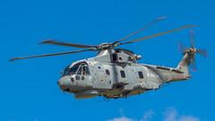 RN EH Industries EH-101 Merlin HM.2 ZH834 '84' (Hugh Dodson) Tags: cornwall airshow merlin rn 84 rnasculdrose eh101 airday rnas hm2 zh834 ehindustries