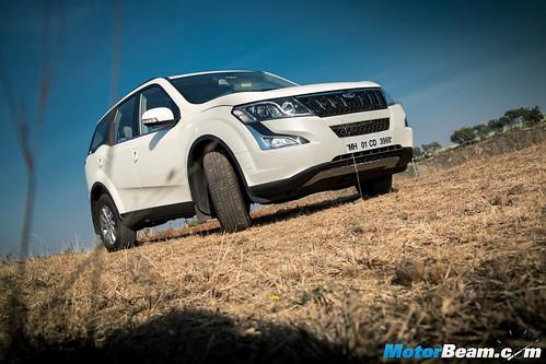 Mahindra-XUV500-Automatic-6