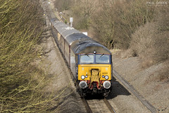 57310 approaches Old Milverton working 1Z60 1145 Birmingham International - Swindon charter 14/02/2016 (Paul-Green) Tags: camera old uk winter sun cold canon photography photo movement day diesel transport picture engine rail railway sunny loco trains class gb belle passenger february feb northern railways services direct 57 locomotives charter milverton 2016 573 drs vsoe 57310 57312 1z60