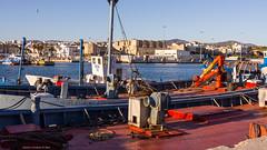 Alambraba de Tarifa (Franci Esteban) Tags: muelle barcos tarifa barcodepesca almadraba estrechodegibraltar muellepesquero muelledetarifa almadrabadetarifa barcosdealambraba