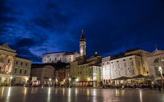 Tartini Square (Joe Parks) Tags: travel evening europe dusk slovenia venetian bluehour piran slovenija stgeorge adriatic twlight tartinijev pirano tartini stgeorgechurch tartinisquare canon6d churchofsaintgeorge guiseppetartini parksjd