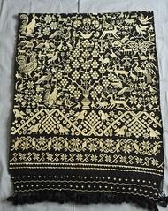 Rebozo Embroidery Hueyapan Puebla Mexico (Teyacapan) Tags: lana wool animals mexico mexican textiles puebla bordados rebozo hueyapan