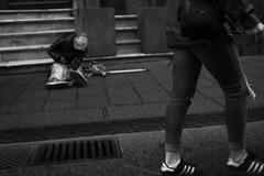 Elemosina # 2 (gavim88) Tags: street panorama roma scale lago teatro strada italia nuvole bambini mani case bn chiesa sguardo cielo mano vista augusta piazza duomo acqua veduta monumenti catania siracusa artista scorcio cerchio giostre anfiteatro palazzi palla bimbi passeggio antichit scalinata passeggiata guardo altalena vecchi romani chiese giocoliere seduti sicilis arrte scorcia gavim88 canoneos600d canon24mm28stm oanzioano nonnanipoti