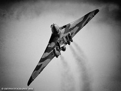 vulcbw-1-2-1 (Stewart Taylor (SMT Photography)) Tags: blackandwhite history classic photography flying photo blackwhite aircraft aviation air flight historic airshow nostalgia vulcan bomber raf avro airdisplay vbomber royalairforce churchfenton xh558 avrovulcan flyingdisplay classicjet theyorkshireairshow