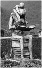 Statue dans une rue du Fontanil 7N&B (patrice3879) Tags: statue joseph place expo charles mariage rue eglise mairie salle fronton fontanil passquier