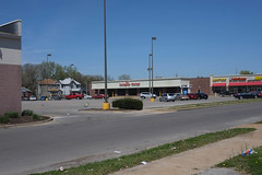 Gateway Market in East St. Louis (formerly Schnuck's) (pasa47) Tags: illinois spring stlouis april stl eastside eaststlouis 2016 cityofchampions eastboogie eastsaintlouis metroeast illside stlmetro