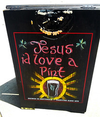 Jesus, I'd love a pint (Exile on Ontario St) Tags: new party usa love beer sign bar wooden pub orleans louisiana warm commerce unitedstates god drink board united neworleans religion jesus drinking entrance bistro business alcool alcohol states nola pint invite panneau nouvelle thirsty folding signe bire affiche enseigne louisiane orlans boire bistrot soif sandwichboard chaleur pinte hotweather nouvelleorlans lanouvelleorlans