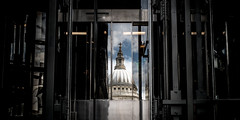 Uplifting (Sean Batten) Tags: city sky urban reflection glass clouds 35mm nikon df lift elevator stpauls onenewchange