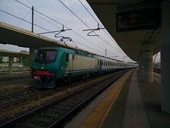 E464.019 RGV 10126 a Lingotto FS (simone.dibiase) Tags: train torino trains porta treno 019 nuova stato trenitalia lingotto treni dello veloce ferrovie regionale 10126 e464 xmpr