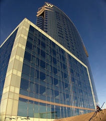 w (marmimuralla) Tags: barcelona hotel bcn wela marmimuralla