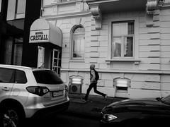 Run (DanieleS.) Tags: street trip travel boy people white black cars wow photography hotel photo amazing cool strada shot good frankfurt great run di fotografia dannyboy bianco nero daniele 2016 francoforte ilovedannyboy