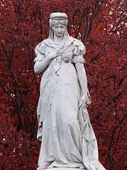 Monument To Queen Louise Of Prussia (gerrit-worldwide.de) Tags: berlin monument statue germany pentax skulptur olympus louise m42 tiergarten prussia em1 2016 vintagelens luiseninsel queenlouiseofprussia supertakumar3004 kniginluisedenkmal kniginluisedenkmalberlin luisendenkmalberlin