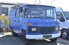 MB 407D (Vehicle Tim) Tags: rescue truck mercedes blau rettung mb thw transporter einsatz blaulicht kastenwagen