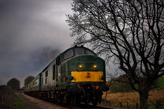 Class 37 D68936 approaching Wymondham... (Jonathan Casey) Tags: zeiss nikon diesel norfolk rail railway loco 55mm british mid otus d810 zf2 midnorfolkrailway clas37