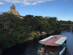 Tokyo DisneySea (jericl cat) Tags: disneysea river lost temple tokyo boat delta disney mayan indianajones 2015