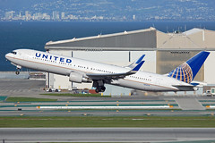 N665UA (Rich Snyder--Jetarazzi Photography) Tags: california ca plane airplane sfo aircraft united jet boeing departure takingoff takeoff ual airliner 767 millbrae ua departing unitedairlines jetliner sanfranciscointernationalairport ksfo b767 767300er b763 767322er n665ua