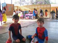 Carnaval 2016 (Colgio Razes) Tags: fantasia carnaval escola baile folia serpentina confete mogidascruzes ensinofundamental educaoinfantil colgiorazes