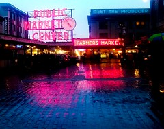 Pike Place Market on a rainy Seattle Day. Taken with LG G3. 11/100 2016. (Bikkogin) Tags: seattle reflection washington market wa pikeplacemarket pikeplace image11100 100xthe2016edition 100x2016