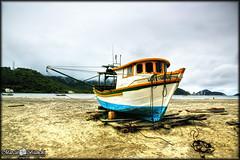Praia de Guaratuba - Paran (Marciobien) Tags: praia mar barcos parana litoral hdr oceano guaratuba 24105mm canon24105f4 24105mmf4 canon5dmarkiii 5dmarkiii 5dmark3 marciobianchi marciobien