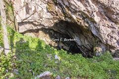 Itri (LT), 2016, La collina di San Cristoforo: la grotta di San Vito. (Fiore S. Barbato) Tags: italy san chiesa affreschi collina grotta lazio monti vito itri sanvito ruderi aurunci sancristoforo cristoforo