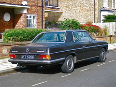 1971 MERCEDES-BENZ W114 250CE Automatic (ClassicsOnTheStreet) Tags: uk london classic mercedes benz 1971 mercedesbenz automatic 70s oldtimer streetphoto spotted 1970s veteran injection coupe brixton 250 streetview ce straatbeeld strassenszene 2016 klassieker 6cylinder inspuiting gespot 250ce chaucerroad w114 einspritzung straatfoto carspot 6cilinder bracq paulbracq classicsonthestreet jyt520k