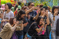 Popular with the girlz... (antwerpenR) Tags: china hk cn hongkong asia southeastasia mongkok asean templefair taikoktsui