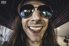 Christian (SBW-Fotografie) Tags: portrait man smile face sunglasses canon insane crazy gesicht teeth freaky porträt mexican hut freak mann sombrero sonnenbrille zähne grinsen weitwinkel sbw 70d canoneos70d canon70d sbwfoto sbwfotografie