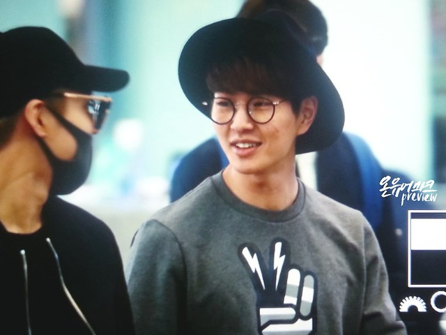 160401 SHINee (Sin Jonghyun) @ Aeropuerto de Incheon {Rumbo a Japón} 25948407420_bcabac142d_z