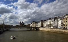 Le fleuve et  la ville  Paris, 12 avril 2016 (Stphane Bily) Tags: paris france seine river notredame fleuve lesaintlouis stphanebily