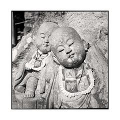 bibs  kurama, kansai  2015 (lem's) Tags: japan rolleiflex babies statues kansai japon bbs buddhas planar bibs kurama bouddhas bavoirs