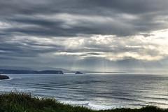 Atardecer nublado (ccc.39) Tags: asturias nublado rayos cantbrico gozn nuboso
