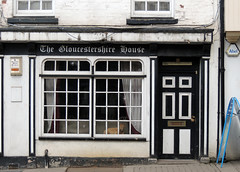 The Gloucestershire House, Monnow Street, Monmouth 28 April 2016 (Cold War Warrior Follow Me on Ipernity) Tags: dog pub monmouth