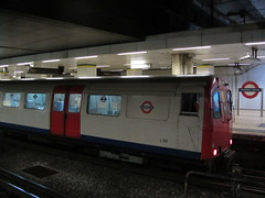 Mansion House Station (portemolitor) Tags: london station train underground coach track stock tube 1973 recording cityoflondon 1960 cravens mansionhouse