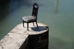 Sit (claudio malatesta) Tags: troyes river chair fuji champagne fiume rivire sedia chaise claudiomalatesta fujifilmxt10