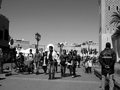Marrakech (simon_berlin62) Tags: world life street city travel girls people bw boys photography blackwhite northafrica morocco arab maroc marrakech maghreb medina marrakesh schwarzweiss marokko reise youngsters  marrakesch 2016   nordafrika afriquedunord