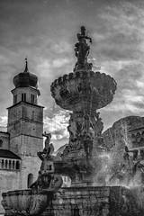 La fontana del Nettuno (drugodragodiego) Tags: blackandwhite bw italy church water fountain architecture square blackwhite cathedral pentax trento piazza duomo acqua fontana trentino biancoenero cattedrale k3 chiese pentaxda1650mm smcpentaxda1650mmf28edalifsdm pentaxiani pentaxk3