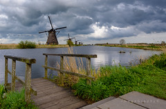 Kinderdijk 1 (ImageGraph-Y) Tags: netherlands windmill clouds cloudy nederland kinderdijk molen