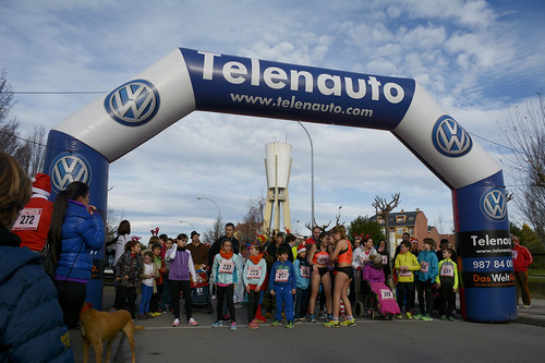 "Carrera popular y premios San Silvestre 2015 La Virgen del Camino • <a style=""font-size:0.8em;"" href=""http://www.flickr.com/photos/66442093@N08/23397384833/"" target=""_blank"">View on Flickr</a>"