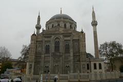 P1240692-P33 (everbruin) Tags: architecture turkey istanbul mosque sultan valide pertevniyal