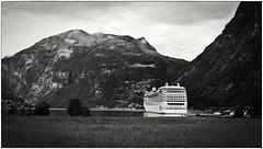 #Geiranger #Norge #Norway #Noruega #fjord #Olympus #OlympusE330 (davidrk1971) Tags: norway norge olympus noruega fjord geiranger olympuse330