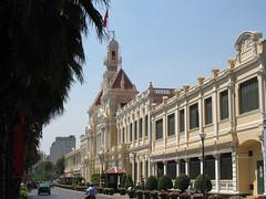"""Ho Chi Minh Ville: l'Hôtel de Ville <a style=""""margin-left:10px; font-size:0.8em;"""" href=""""http://www.flickr.com/photos/127723101@N04/24236755879/"""" target=""""_blank"""">@flickr</a>"""