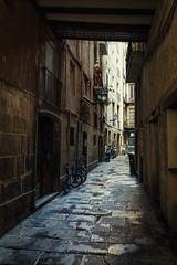 On the Narrow Street (Shinichiro Hamazaki) Tags: barcelona street born spain narrowstreet